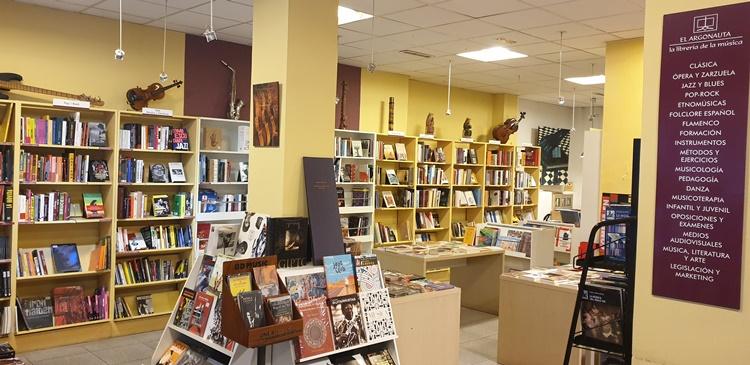 dentro argonauta - Ruta por las librerías temáticas más chulas de Madrid