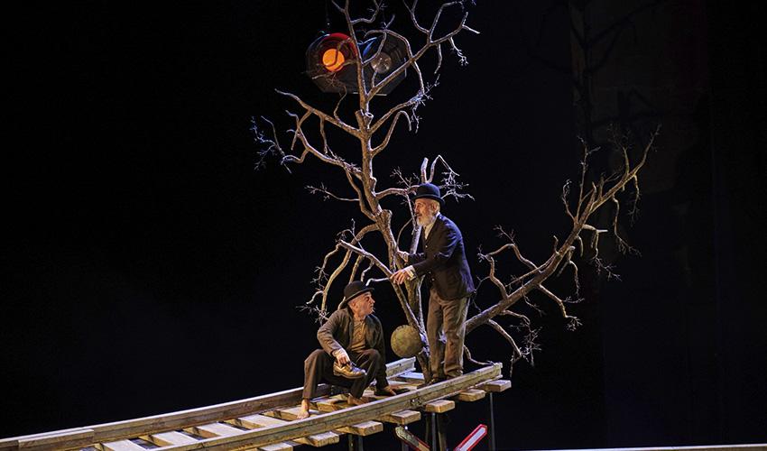 """Teatro: """"Esperando a Godot"""", cuando la sonrisa esconde la desesperanza"""