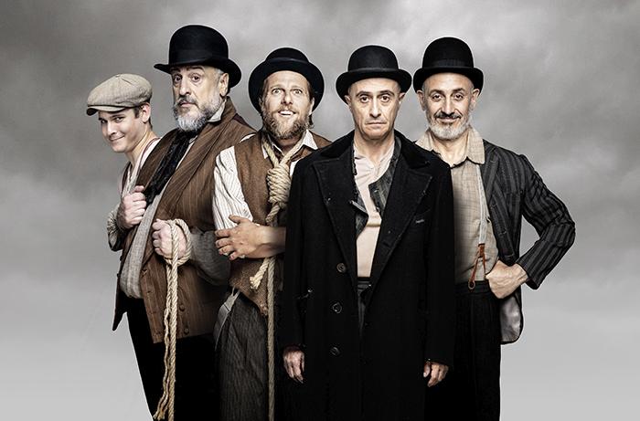 "javier naval Esperando a Godot Madrid - Teatro: ""Esperando a Godot"", cuando la sonrisa esconde la desesperanza"