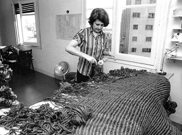 Aurelia Muñoz. arte taller - Las esculturas textiles de la artista universal Aurèlia Muñoz se exponen en Madrid