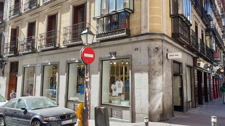 dear tee - Historia, terracitas y shopping para un plan perfecto en Madrid