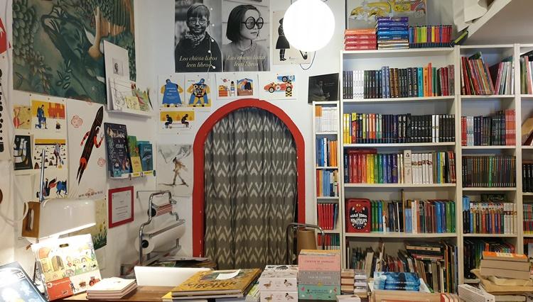 dentro peque - Ruta por las librerías temáticas más chulas de Madrid (Parte II)