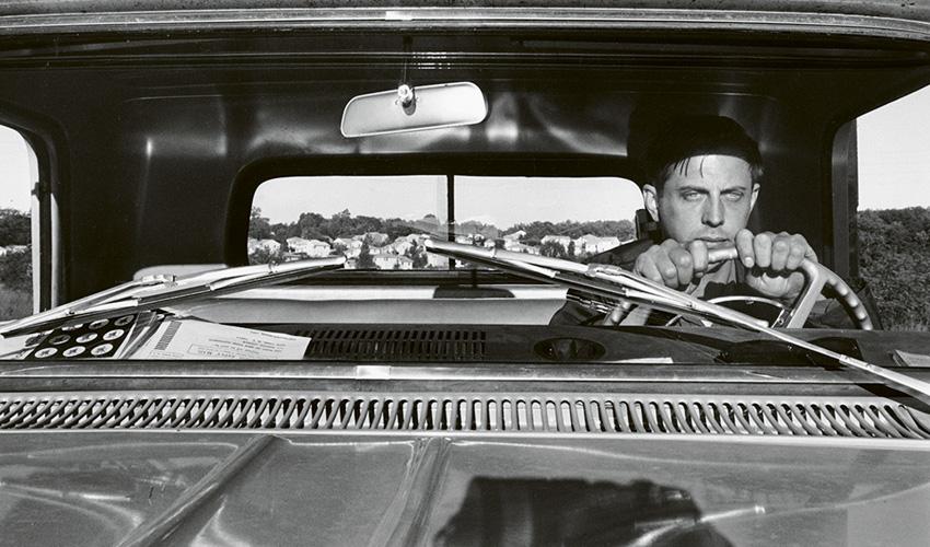 Exposición de fotografía de Lee Friedlander, la cultura popular americana como inspiración