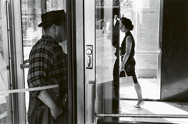 friedlander expo fotos 3 - Exposición de fotografía de Lee Friedlander, la cultura popular americana como inspiración