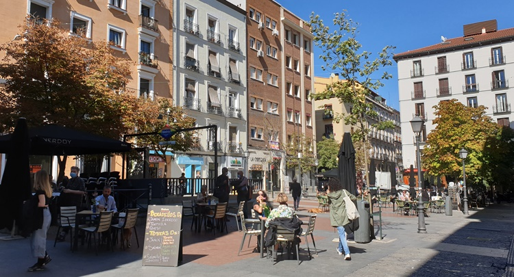 plaza de chueca - Historia, terracitas y shopping para un plan perfecto en Madrid