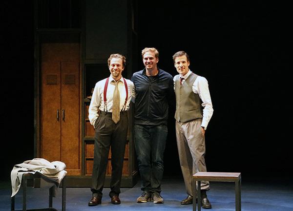 """teatro la maquina de turin director y actores - Teatros del Canal estrena la apasionante historia de """"La máquina de Turing"""""""