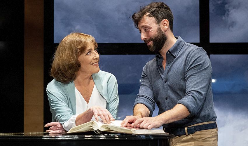 Carmen Maura vuelve a los escenarios con La Golondrina
