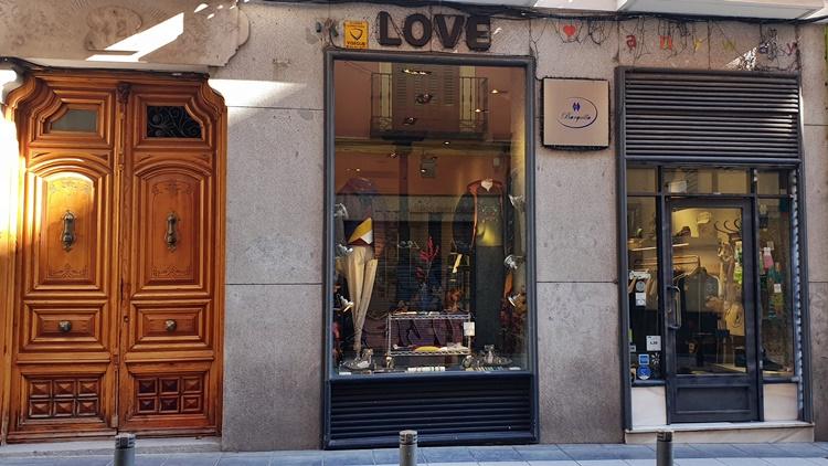 barquillo 42 fachada - 5 tiendas de Madrid para hombres que buscan vestir diferente