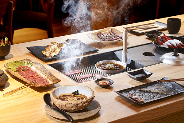 mesa bbq restaurante japones Pilar akeneya Madrid - Restaurante japonés Pilar Akaneya: El imperio del Kobe y la brasa en Madrid