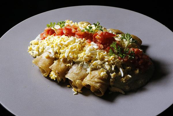 restaurante Iztac plato 01 1 - Nueva carta del restaurante mexicano Iztac: un delicioso viaje por su litoral