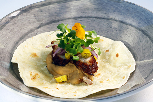 restaurante Popa Madrid plato 01 - Restaurante Popa: bocados de mestizaje y sabor imaginados por el chef Willy Moya