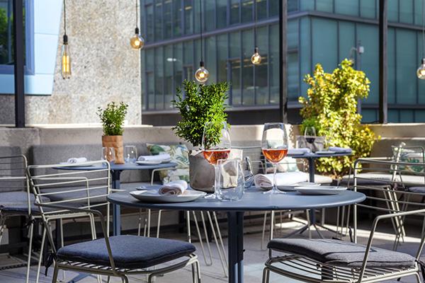 restaurante Popa Madrid terraza - Restaurante Popa: bocados de mestizaje y sabor imaginados por el chef Willy Moya