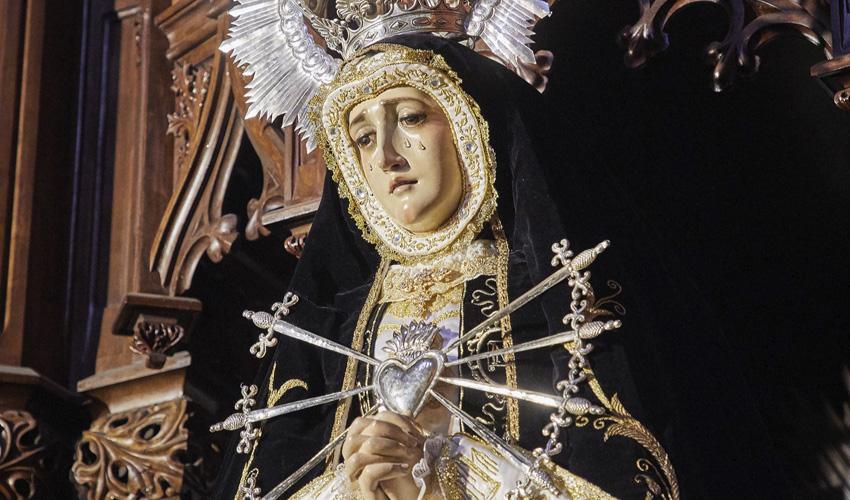 La festividad de la Almudena en misa y en YouTube