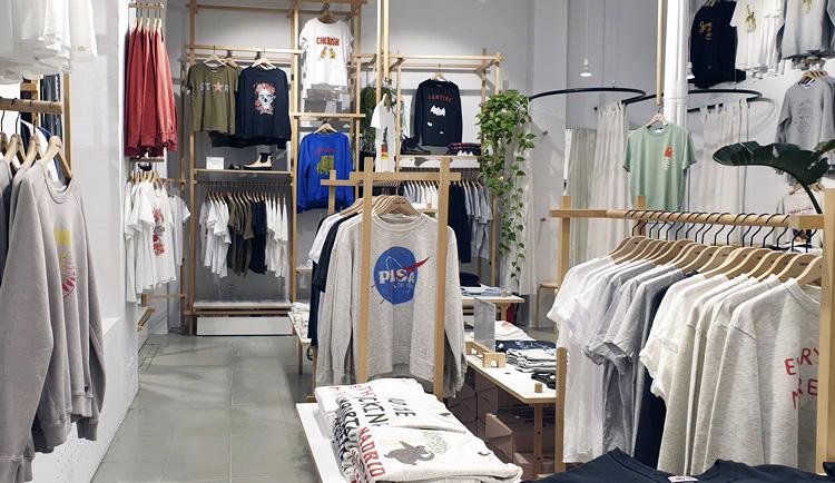 20201201 182314 - Dónde comprar camisetas originales en Madrid