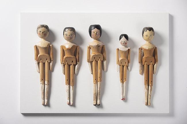 Colecci¢n Santos Lloro Peg dolls. Francia Italia tercer tercio del siglo XIX - Juguetes antiguos y educación en una exposición en el jardín Botánico
