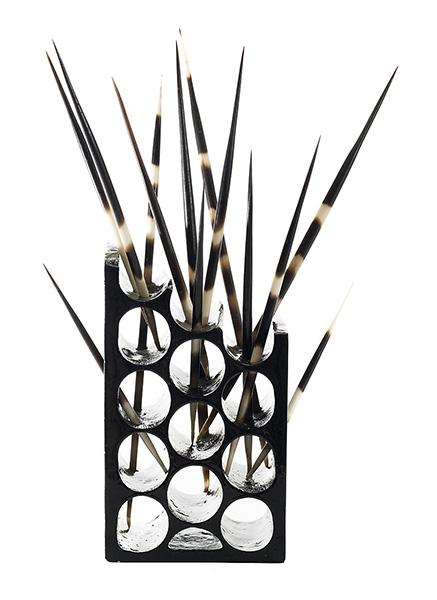 Viviane Brickmanne. Africa. aluminiopúas.16x11x7 cm - Artist Experience: La feria del arte y el artista