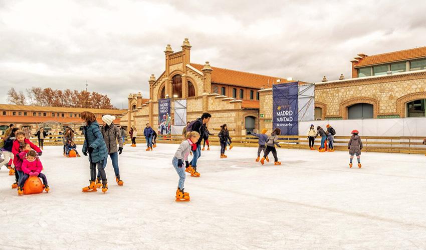 Belenes y una pista de hielo para disfrutar de la Navidad en Madrid