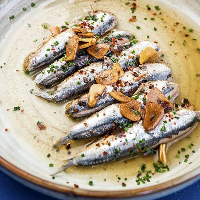 Boquerones al ajillo del revés La Malaje - Restaurante La Malaje: los sabores del Sur y la alegría castiza de La Latina