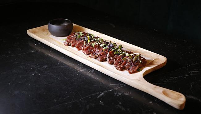 Restaurante D Platos deleite tataki solomillo - Restaurante D´Platos deleite: tapeo de altura con alma granadina en un local muy chic