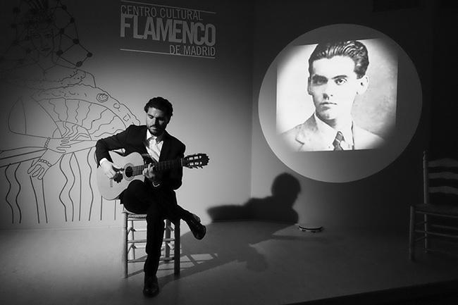 VICTOR TOMATE GUITARRISTA - 4 planes en Madrid: Dos exposiciones, Teatro, Flamenco y un Restaurante de enhorabuena