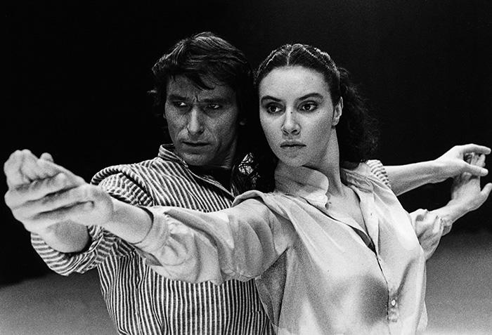 """Carlos Saura Carmen 1983 © Carlos Saura VEGAP 2021 - Una exposición recrea el universo creativo de """"Carlos Saura y la Danza"""""""