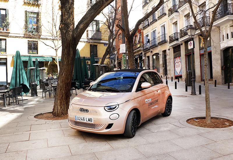 FIAT 500 Madrid plaza de Carlos Cambronero Malasaña  - Un día perfecto en Madrid. Plan de shopping + foodie