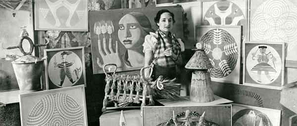 Maruja Mallo en su estudio - Las Sinsombrero, las mujeres de la Generación del 27 que vivieron en Madrid