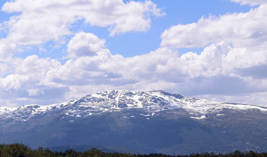 El gobierno ordena cerrar tres pistas de esquí en Navacerrada