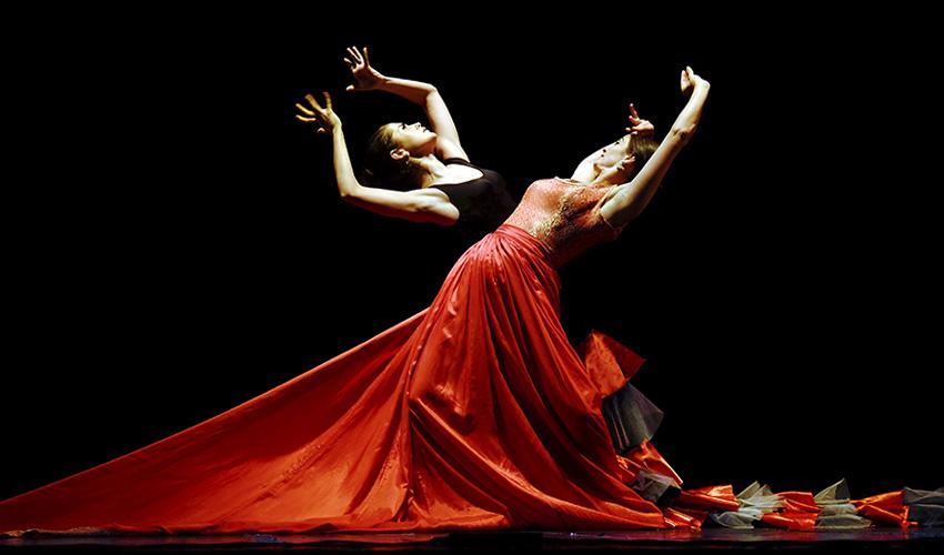 """Una exposición recrea el universo creativo de """"Carlos Saura y la Danza"""""""