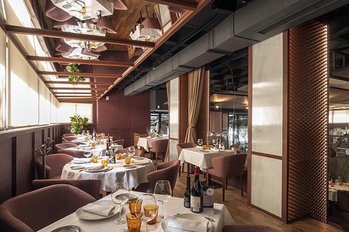 restaurante Rocacho Sala 1 - Restaurante Rocacho, donde las brasas custodian el sabor de grandes carnes y pescados