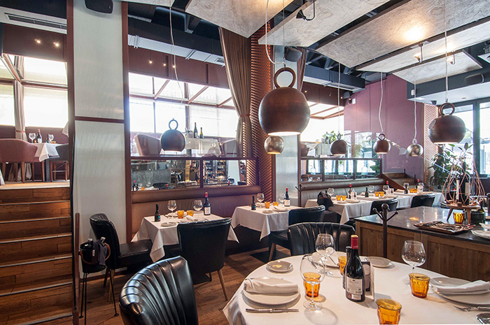 restaurante Rocacho Sala2 - Restaurante Rocacho, donde las brasas custodian el sabor de grandes carnes y pescados