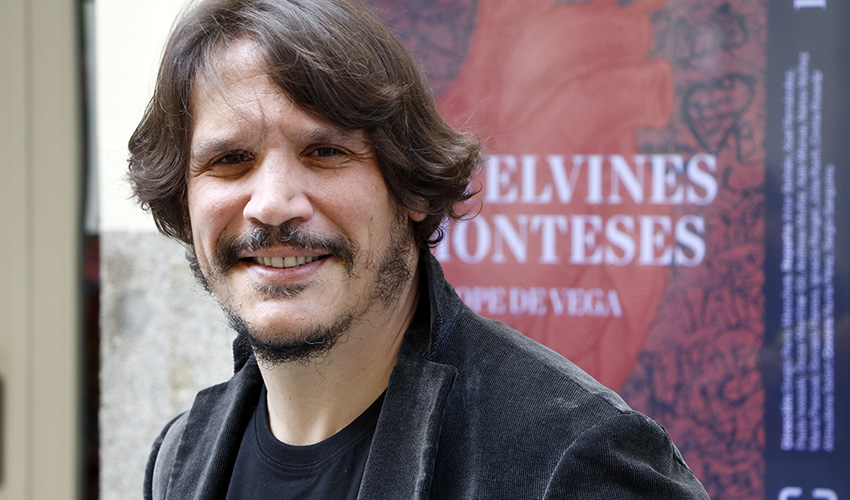 """""""Castelvines y Monteses"""": Peris-Mencheta sube al escenario a Lope de Vega con una guitarra eléctrica"""