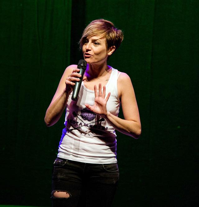 sara Alfil 2 - Sara Escudero presenta un divertido monólogo sobre el postureo en el Teatro Alfil