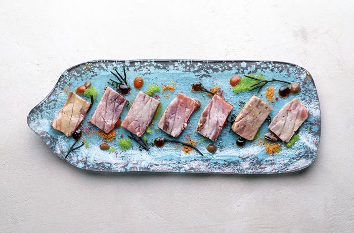 KRÁPULA Bombón de atún 36 - Krápula, el restaurante donde habita el mejor bartender de España