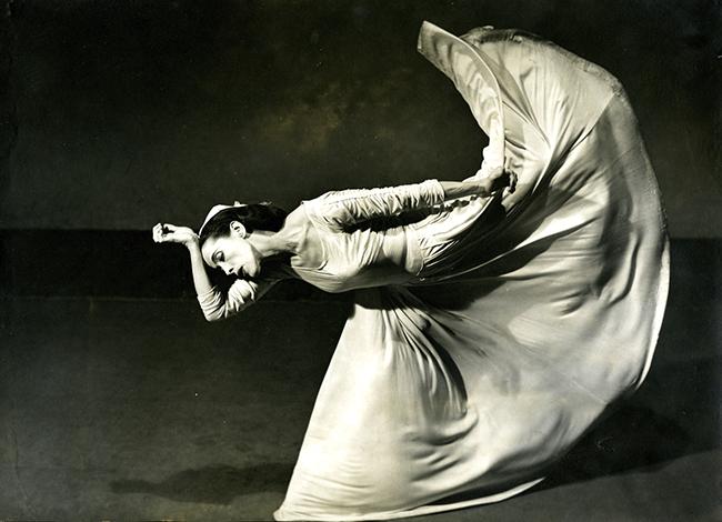 Museo Nacional del Romanticismo. Barbara Morgan. Martha Graham Letter to the World The Kick - 86 exposiciones para PhotoEspaña 2021 centradas en el feminismo y la sostenibilidad