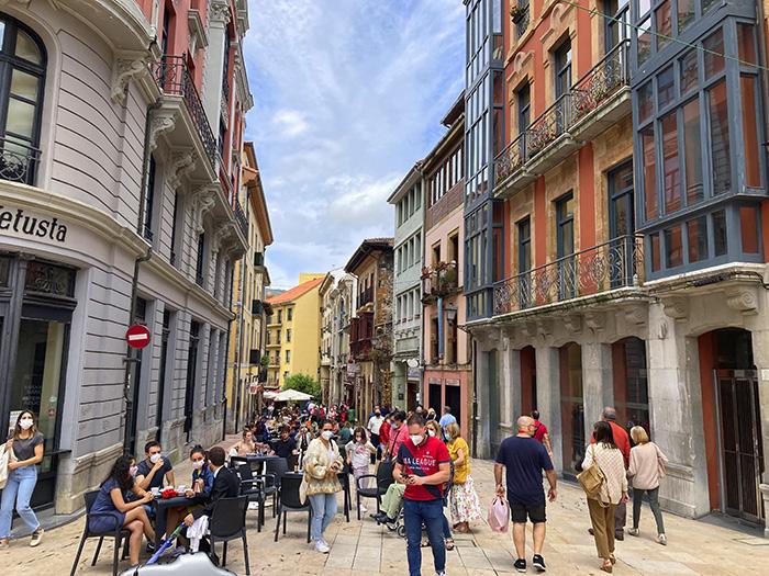 Oviedo calle Águila - Madrid - Oviedo: Escapada fin de semana