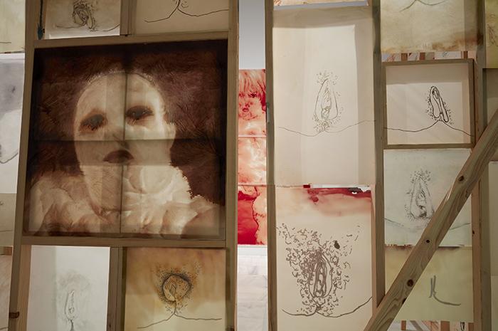 reina 01 - Exposición: Applebroog o el arte como mensaje pionero del feminismo y crítica social