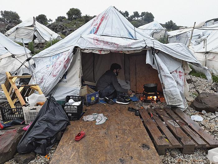 PhotobyQutaeba2 - Una exposición en La Casa Encendida rompe el silencio sobre el campo de refugiados más grande de Europa