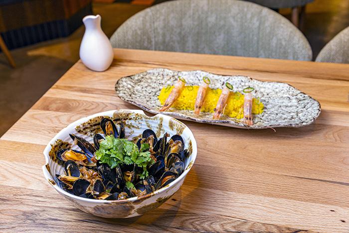 Poke Paella de gamba blanca de Huelva y mejillón bouchot con sofrito mediterráneo06 - Restaurante Papúa: el sabroso premio de dominar la creatividad