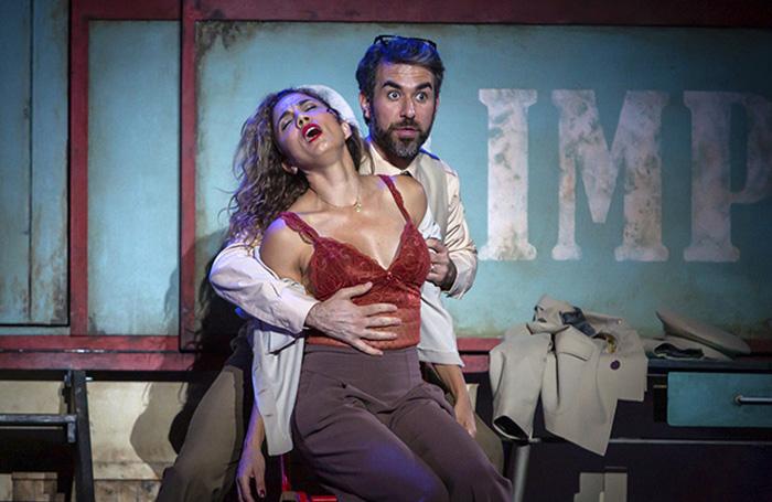 """anfitrion de moliere teatro Madrid - Toni Acosta y Pepón Nieto protagonizan la obra de teatro de Moliére """"Anfitrión"""", en el Teatro La Latina"""