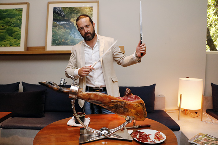 "emilio samurai jamón luzi bombón Madrid - Encuentro con el ""Samurái del jamón"" y champagne Bollinger, en Luzi Bombón"