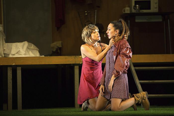 la pasion de yerma como la seda 23 - María León es Yerma en los Teatros del Canal