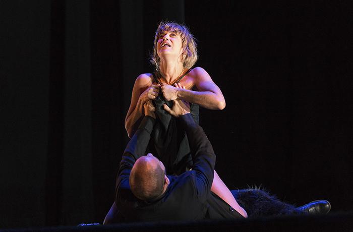 la pasion de yerma como la seda 30 - María León es Yerma en los Teatros del Canal