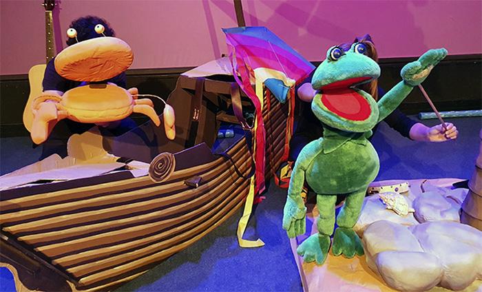 """teatro niños Madrid - Planes con niños: """"Una rana en el mar"""" en Teatros Luchana de Madrid"""
