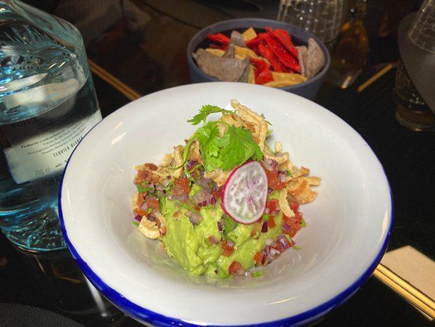 IZTAC guacamole 11 610x458 1 - 4 restaurantes de Madrid para celebrar el Día Internacional del Guacamole