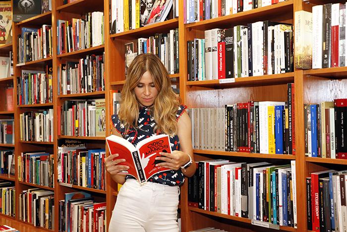"""María Gómez Odio en las manos 02 - La periodista y presentadora María Gómez ha escrito su primera novela y se titula """"Odio en las manos"""""""