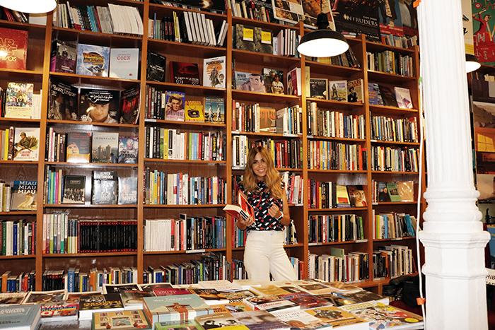 """María Gómez Odio en las manos - La periodista y presentadora María Gómez ha escrito su primera novela y se titula """"Odio en las manos"""""""