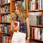 """La periodista y presentadora María Gómez ha escrito su primera novela y se titula """"Odio en las manos"""""""