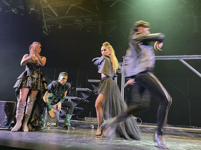 """WAH Musical Madrid 03 - Se estrena en Madrid """"WAH"""", una súper experiencia musical y gastronómica que dura 5 horas"""