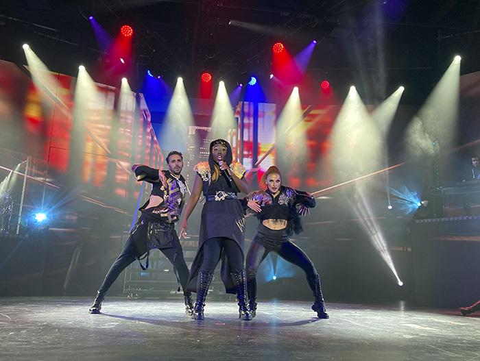 """WAH Musical Madrid 04 - Se estrena en Madrid """"WAH"""", una súper experiencia musical y gastronómica que dura 5 horas"""